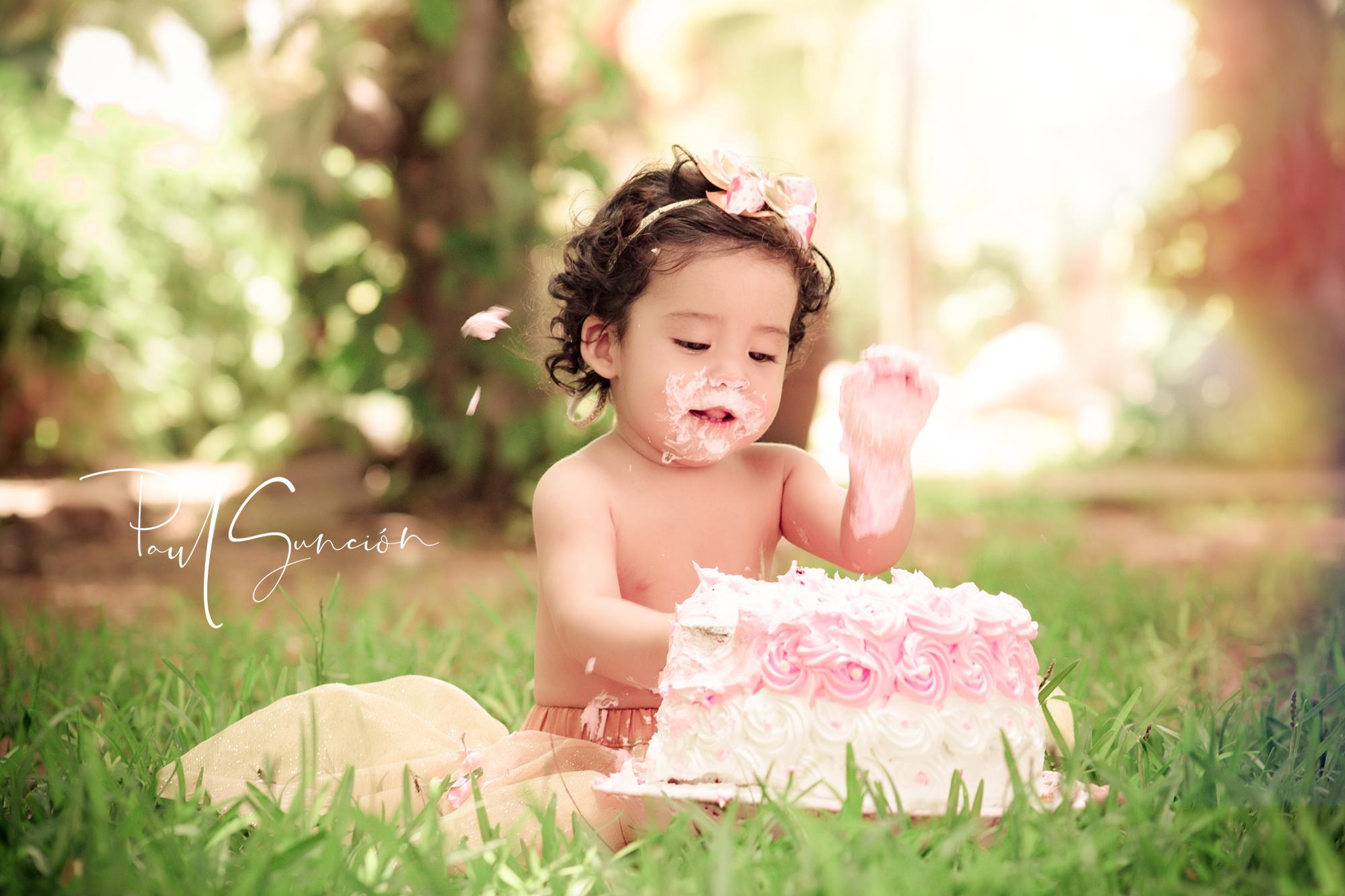 Sesión de Fotos Smasch Cake a la pequeña Rafaella